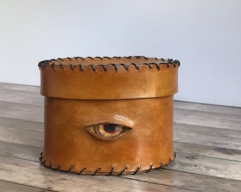 Handmade leather box for dice or putting things in. Handsewn handmade live steam punk dungeons and dragons gamer