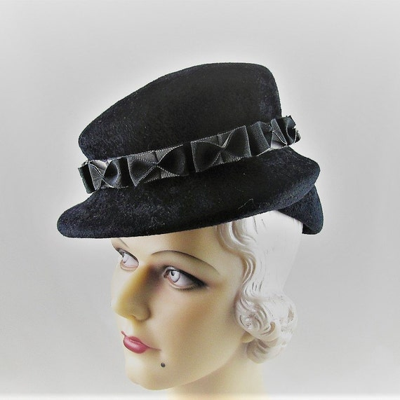 Womens Hats 31 Black Velour Fur Felt Hat Grey Bows Handmade  f35eba6a74dd
