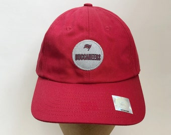 a1976a3cd02 vintage tampa bay buccaneers strapback hat nike team sports adult OSFA  deadstock NWT 90s