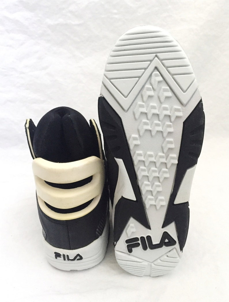 c3f997ebe16a Vintage FILA the cage shoes youth size 5