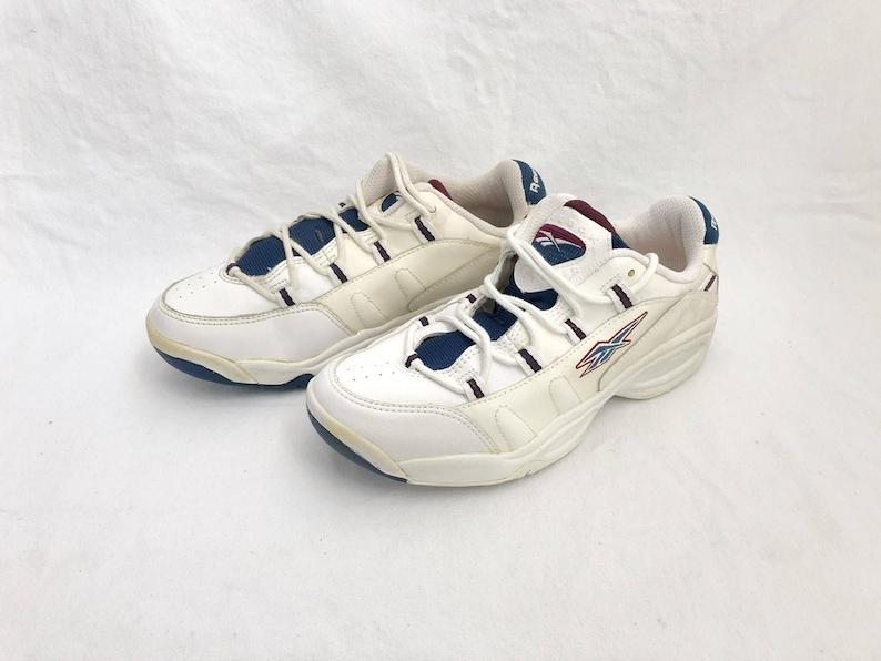 777e004e58cdab Vintage reebok soft court tennis shoes men s size 9