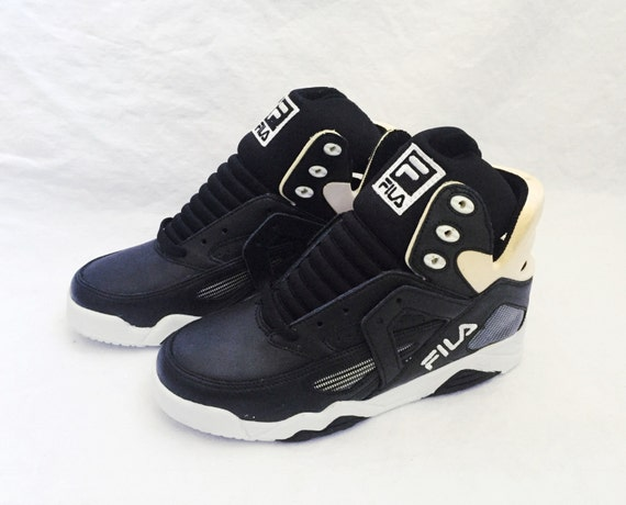 2563624892e vintage FILA the cage shoes youth size 5