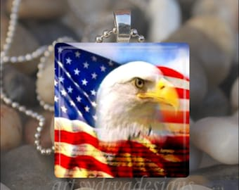 PATRIOTIC BALD EAGLE American Flag Fourth of July Bird Glass Pendant Necklace#11