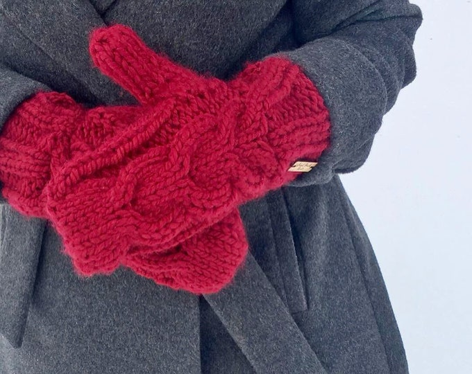 Chunky Cable Knit Mittens, Women's Chunky Knit Cranberry Red Mittens