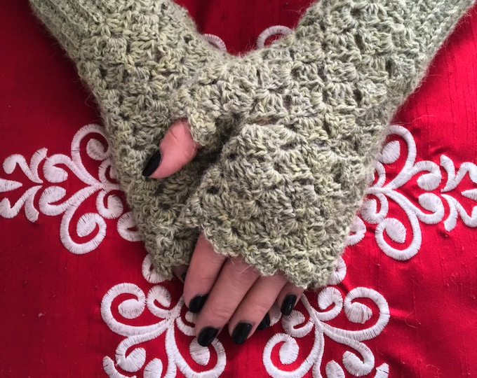 Elegant Crocheted Fingerless Mitts, Fingerless Gloves, Alpaca Fingerless Mitts