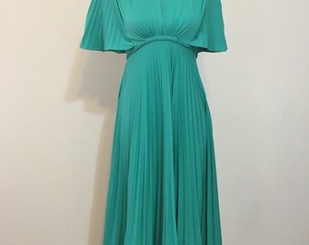 a43059b8aeb Vintage Seafoam green pat richards fit and flare dress