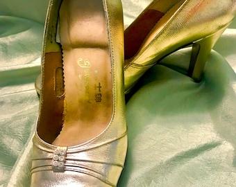 Gold 1950's heels