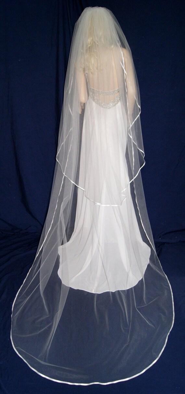 Velo Marfil 2 niveles con cualquier color de cinta de borde de boda de organza LBV184 lbveils