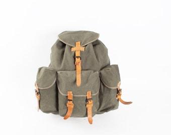 c0668d5d7 Vintage Gray Canvas Leather Backpack Rucksack / Big Military Army Backpack  / Olive Green Canvas Shoulder Bag / Hiking 60s School Bag