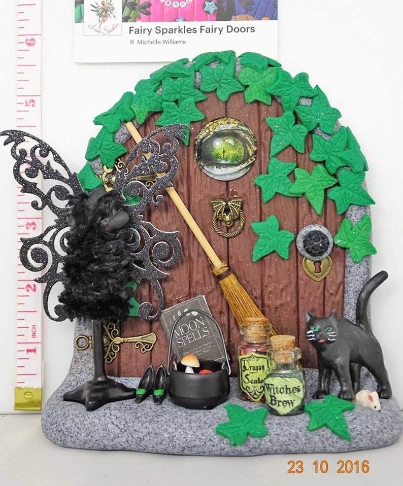 Garden Witch Ivy Tree Green Fairy Halloween Wall Sculpture Gothic Yard Decor