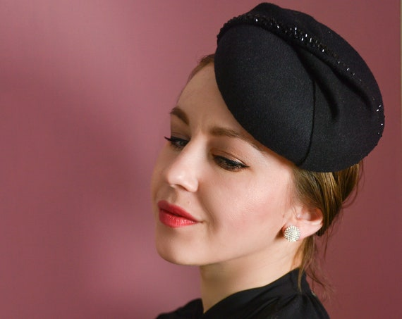 Pillbox Hat, Fascinator Hat, 1940s Hat, Black Fascinator, Ascot Hat, Millinery, Felt Hat, Cocktail Hat, Derby Hat, Vintage Style, Formal hat