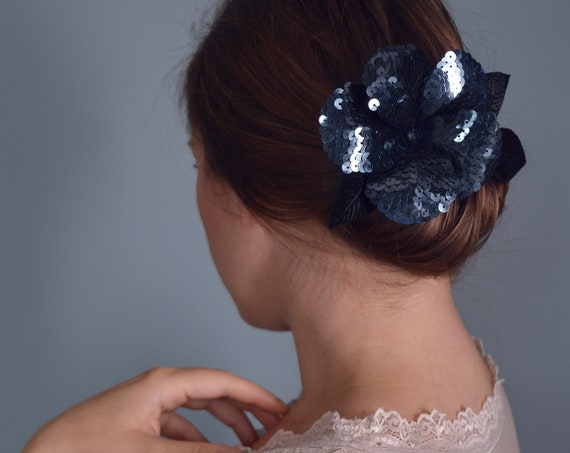 Flower Hair Clip, Flower Brooch, Blue Fascinator, Flower Hair Comb, Hair Accessories, Headpiece, Navy Blue Flower, Unique Gift,Brooch