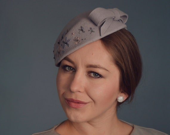 Fascinator Hat, Pillbox Hat, Grey Fascinator, Cocktail Hat, Vintage Style Hat, Headdress, Millinery