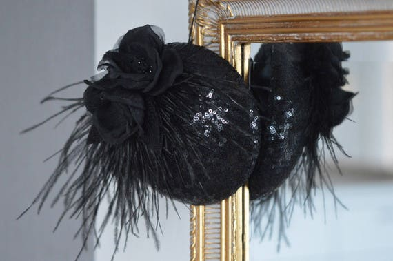 Black Hat, Black Fascinator, Cocktail Hat, Black feathers , Floral Hat, Pin Up Accessories, Vintage Hair Glamour, Roses Black