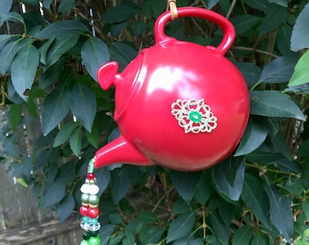 Red Green Tea Pot Garden Decoration, Tea Pot Mobile, Wind Chimes, Upcycled Repurposed, Kitchen Decor, Tea Party, Bridal Shower Centerpiece