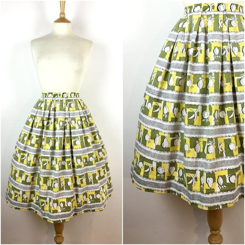 c7c15d51fa0 Vintage 1950s Skirt 50s Barkcloth Fruit Pattern Swing Skirt