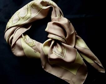 Vintage foulard en soie Hermes Vielle Chine, Hermes, foulards en soie cb08ef0887d