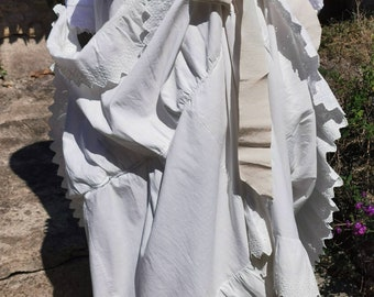 French Vintage, Petticoat Bustle Antique Clothes, French antique Clothing  French Embroidery, Mannequin Vintage Wedding,