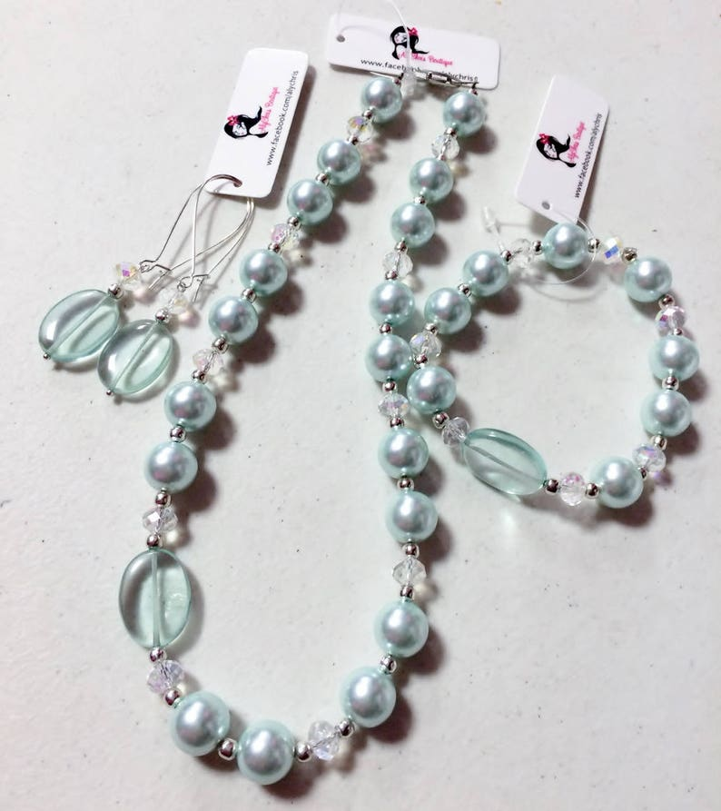 Sea Foam Green Shell Pearl Beaded Crystal Necklace,Bracelet /& Earring Set