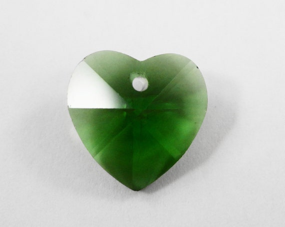 Green Crystal Heart Pendants 14mm Green Heart Charms, Crystal Heart Drops, Chinese Crystal, Faceted Glass Heart Charms, Jewelry Making, 4pcs