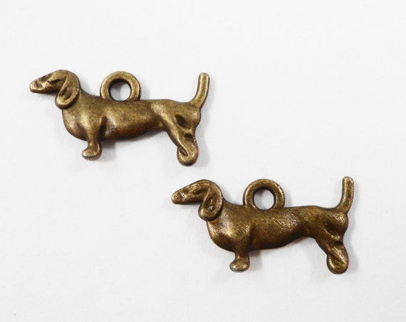 Bronze Dog Charms 18x9mm Antique Brass Dog Charms, Small Dog Pendants, Wiener Dog Charms, Dachshund Charms, Animal Charms, Metal Charms 10pc