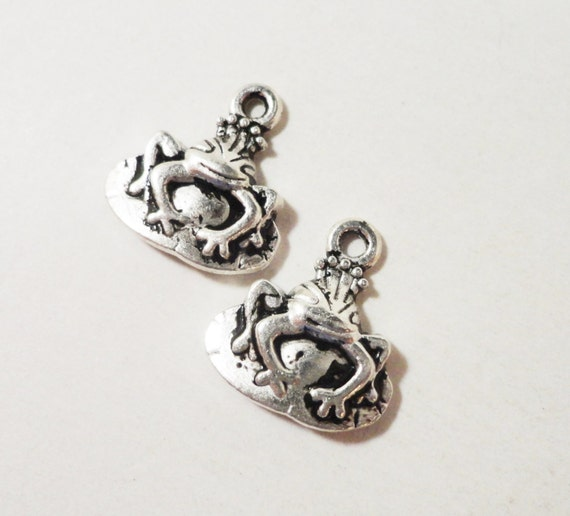 Antique Silver Frog Charms 16x15mm Frog Prince Charms, Silver Frog King Pendants, Fairy Tale Charms, Metal Charms for Jewelry Making, 10pcs