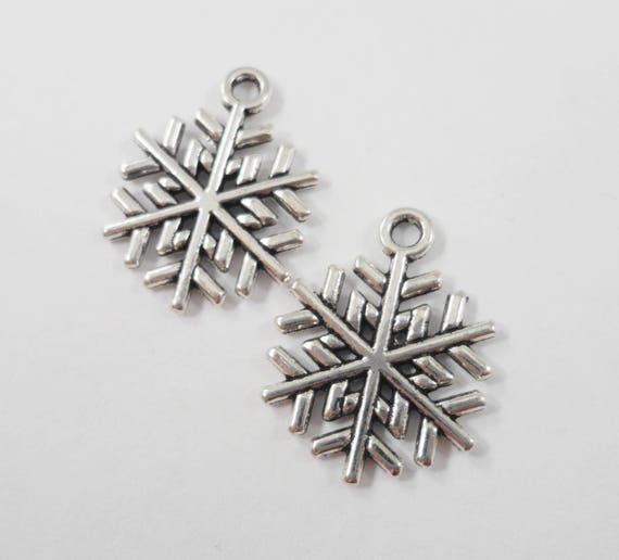 Silver Snowflake Charms 15x20mm Antique Silver Snowflake Pendants, Winter Charms, Christmas Charms, Holiday Charms Silver Metal Charms 10pcs