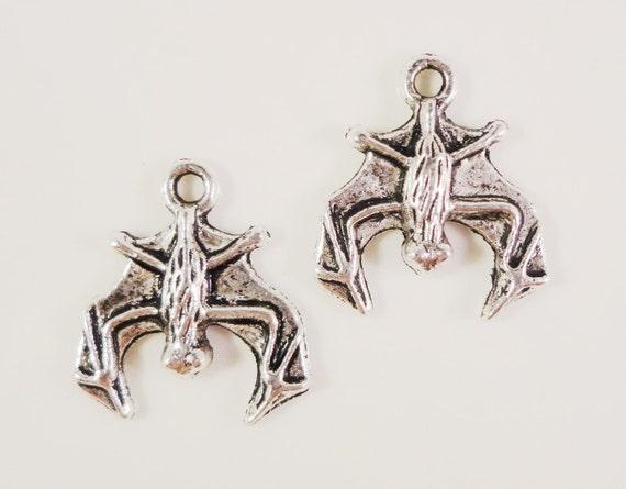 Silver Bat Charms 18x16mm Antique Silver Tone Metal Charm Upside Down Bat Halloween Charm Pendant Jewelry Making Jewelry Findings 10pcs
