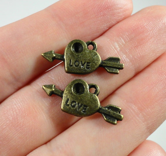 Heart with Arrow Charms 20x10mm Antique Brass Small Heart Charms, Bronze Love Charms, Valentine's Day Charms, Heart with Arrow Pendant 10pcs
