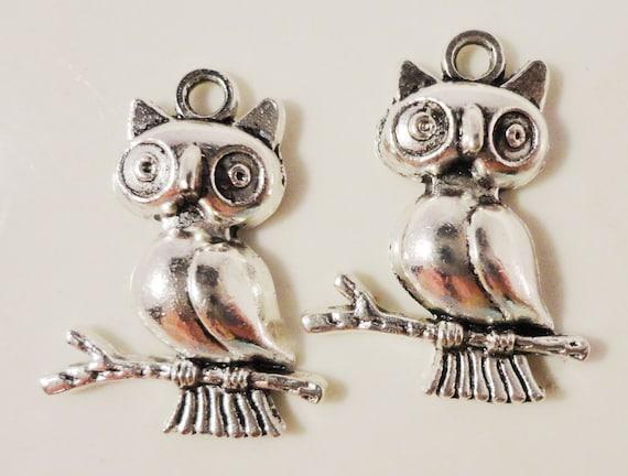 Silver Owl Charms 24x18mm Antique Silver Tone Metal Owl Bird Charm Pendant Jewlery Findings 10pcs