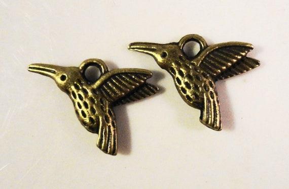 Bronze Hummingbird Charms 15x10mm Antique Brass Tone Metal (Bronze) Bird Double Sided Charm Pendant Jewelry Making Jewlery Findings 10pcs