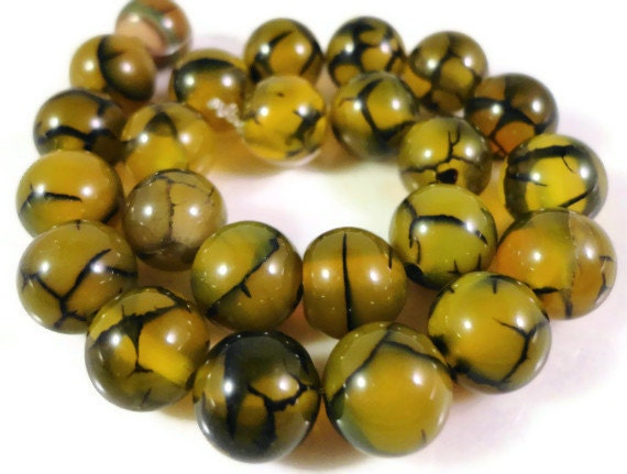 """Dragons Vein Agate Gemstone Beads 8mm Round Yellow and Black Cracked Fire Agate Stone Beads for Jewelry Making on a 7"""" Strand with 23 Beads"""