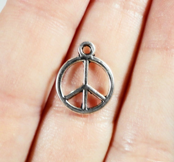 15pcs Peace Sign Charms 14x11mm Silver Metal Peace Sign Pendants, Small Peace Charms, Hippy Charms, Hippie Charms, Metal Charms for Jewelry