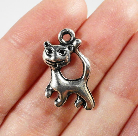 Silver Cat Charms 21x15mm Antique Silver Cat Pendants, Metal Charms, Kitty Charms, Kitten Charms, Animal Charms, Jewelry Findings 10pcs
