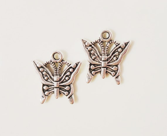 Silver Butterfly Charms 17x15mm Antique Silver Tone Metal Alloy Flying Insect Nature Charm Pendant Jewelry Making Findings 10ps