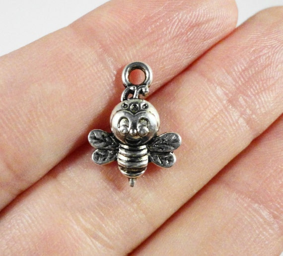 Bumble Bee Charms 15x11m Antique Silver Bee Charms, Small Honey Bee Charms, Bug Charms, Insect Charms, Bumble Bee Pendant, Metal Charms 10pc