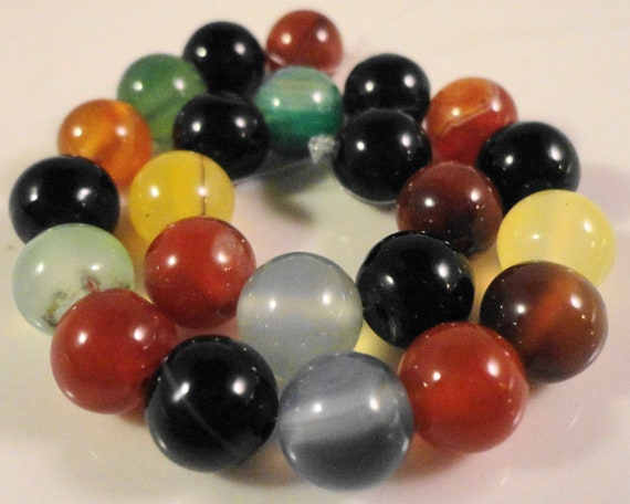 Agate Gemstone Rounds 8mm Multicolor Dyed Agate Multicolor Semiprecious Stone Beads on a 7 Inch Strand with 23 Beads