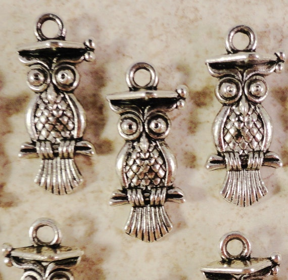 Silver Owl Charms 22x10mm Antique Silver Owl Pendants Bird Charms Graduation Charms Lead Free Metal Charms for Jewelry Making 10pcs