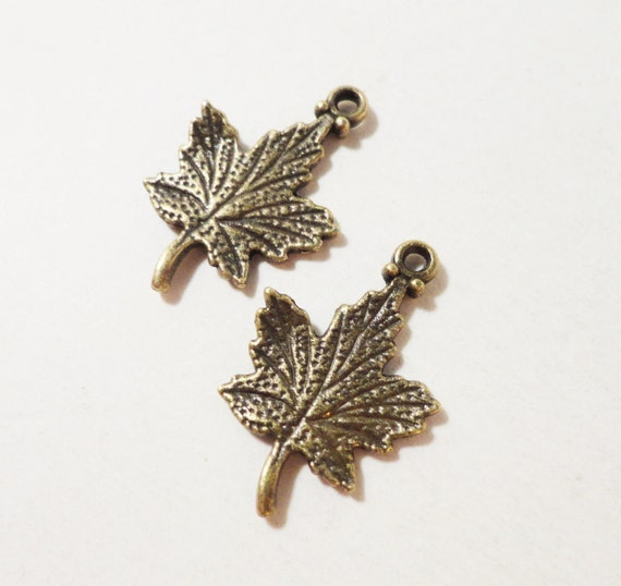Bronze Maple Leaf Charms 24x15mm Antique Brass Maple Leaf Charm, Maple Leaf Pendants, Autumn Charms, Canada Charms, Nature Charms, 10pcs
