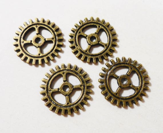 Bronze Gear Charms 10mm Antique Brass Clock Gear Charms, Steampunk Charms, Gear Pendants, Circular Charms, Wheel Charms, Metal Charms, 10pcs