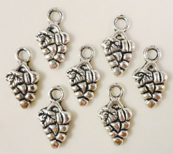 Silver Grape Charms 13x7mm Antique Silver Metal Charms Small Grape Pendants Grape Cluster Charms Fruit Charms Food Charms Nickel Free 12pcs