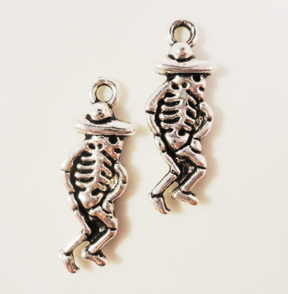 Silver Skeleton Charms 24x9mm Antique Silver Tone Metal Day of the Dead Halloween Charm Pendant Jewelry Making Findings Craft Supplies 10pcs