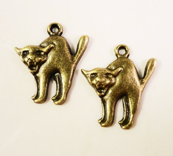 Bronze Cat Charms 20x18mm Antique Brass Metal (Bronze) Scary Kitty Cat Feline Halloween Charm Pendant Jewelry Making Findings 10pcs