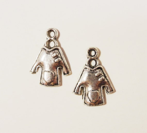 Silver Shirt Charms 19x14mm Antique Silver Tone Metal Clothing Clothes Fashion Charm Pendant Jewelry (Jewellery) Making Findings 10pcs