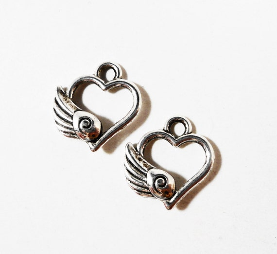 Flying Heart Charms 13x11mm Antique Silver Metal Winged Heart Charm, Heart with Wings Pendant, Valentine's Day Flying Heart Pendant, 10pcs