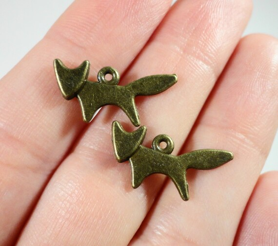 Bronze Fox Charms 20x9mm Antique Brass Fox Charm, Small Fox Pendants, Animal Charms, Jewelry Charms, Metal Charms for Jewelry Making, 10pcs