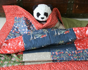 Organic Baby Quilt, Organic Toddler Quilt, Baby Blanket, Hedgehogs, Woodland, Raccoons, Foxes, Cottage Garden, Organic Toddler Bedding