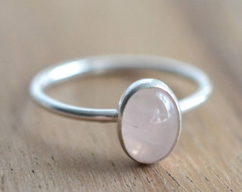 Sterling Silver Rose Quartz Ring // Silver Oval Rose Quartz Stacking Ring // Sterling Silver Ring // 8x6mm Pink Stone Ring // Gift for Her