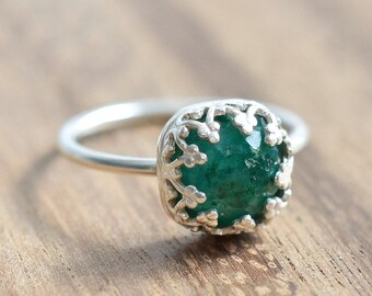 Rose Cut Emerald Ring // Sterling Silver Emerald Ring  // Rose Cut AAA Emerald Engagement Ring // May Birthstone Ring // Faceted Emerald