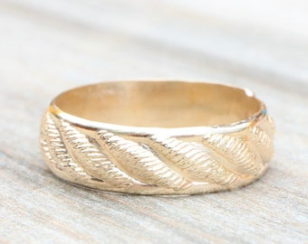 Gold Patterned Band // Thick Stacking Ring // Wedding Band // 14k Yellow Gold Filled Band // His or Hers